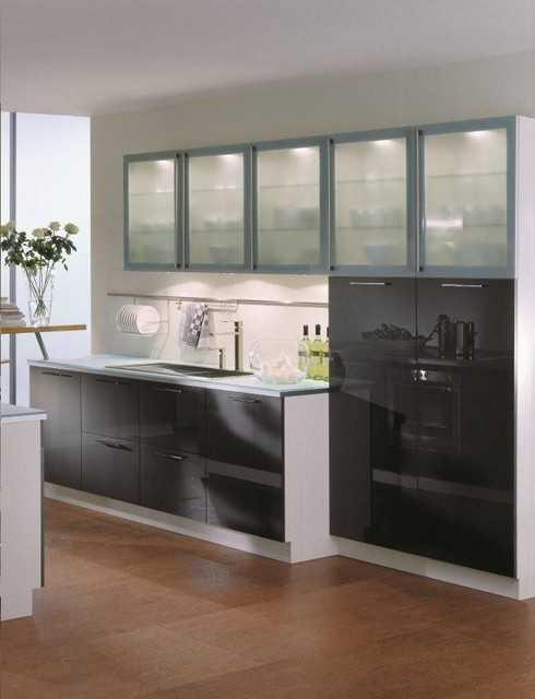 Современные кухни предполагают соединение с другими комнатами для увеличения пространства