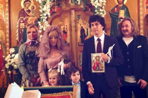 В Патриархии объяснили второе венчание Пугачевой