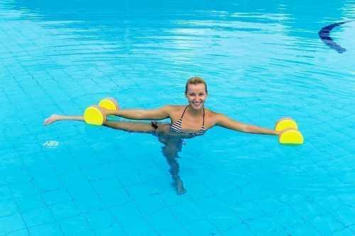 Аквааэробика: упражнения