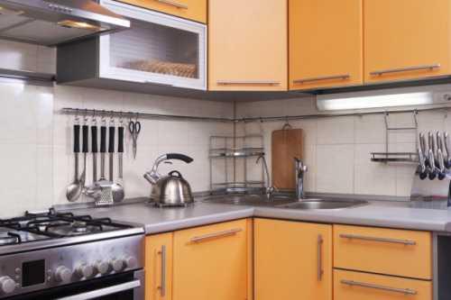 Рейлинговые системы для кухни в интерьере