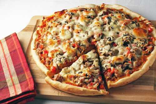 Как быстро приготовить пиццу в домашних условиях