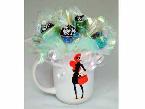 Букеты из конфет и фруктов на День святого Валентина: фото