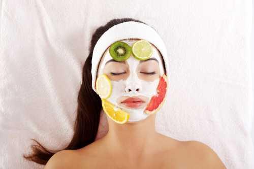 Они отлично очищают кожу от загрязнений, а также стимулируют выработку новых клеток в эпидермисе